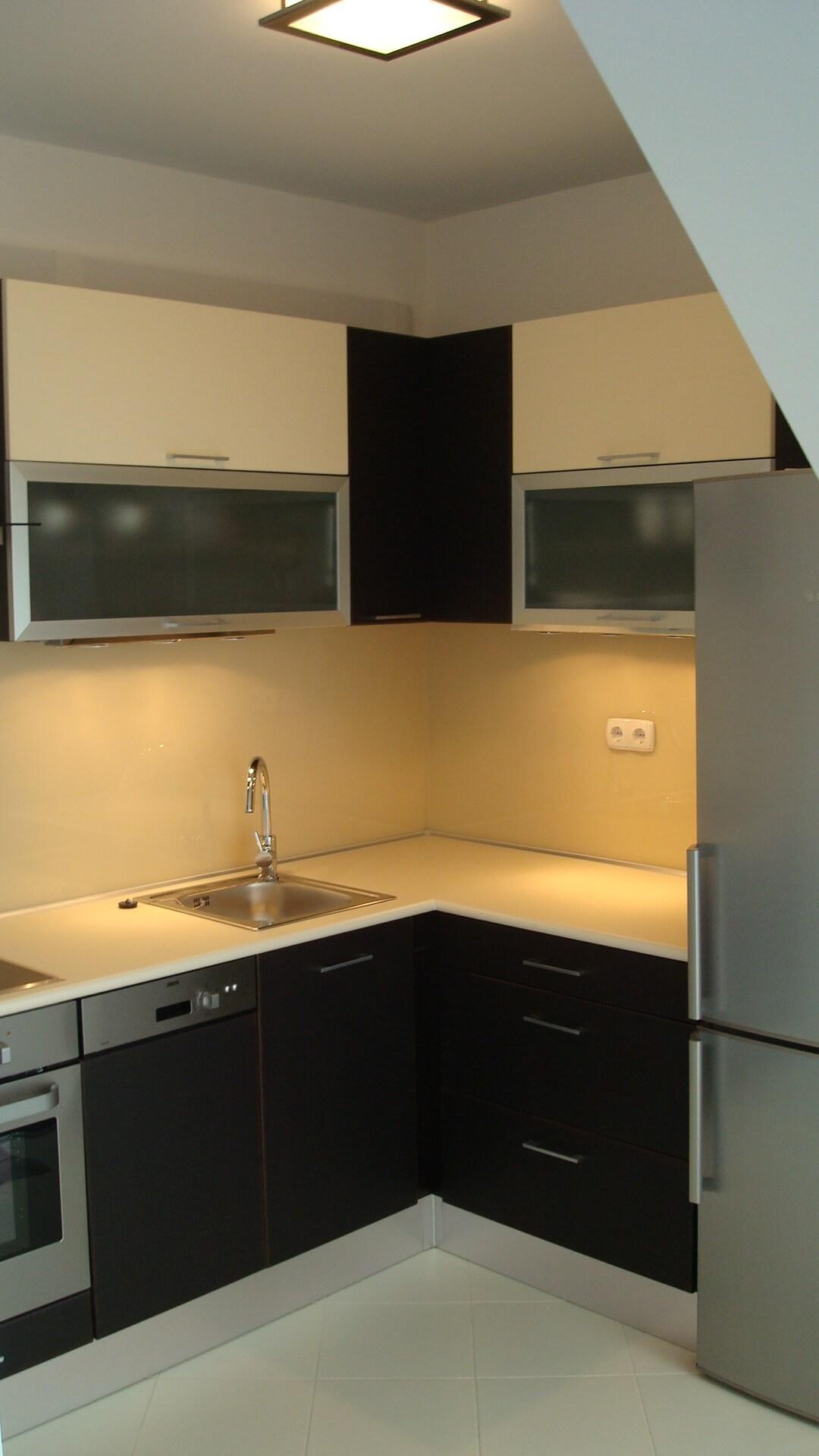 Blokk konyha LED világítással