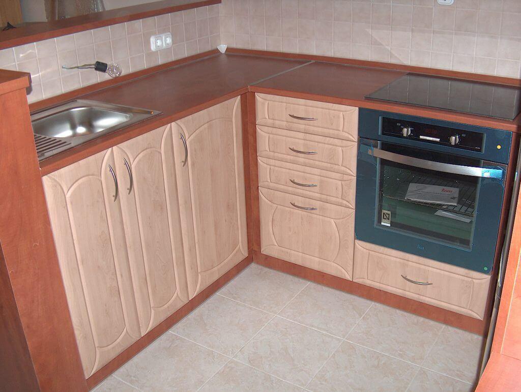 MDF konyhabútor beépített sütővel
