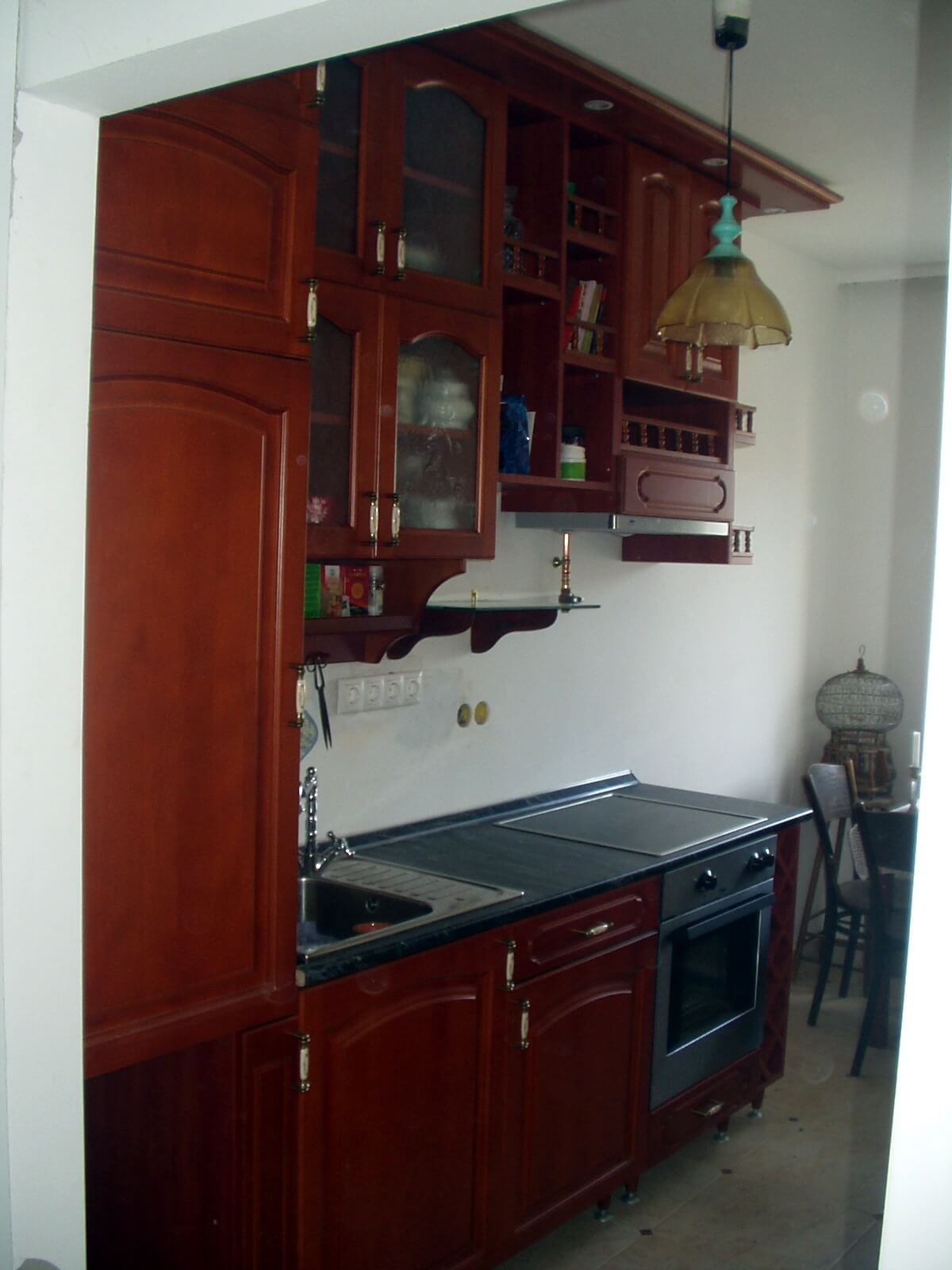 Rusztikus antikolt cseresznye tömörfa konyhabútor